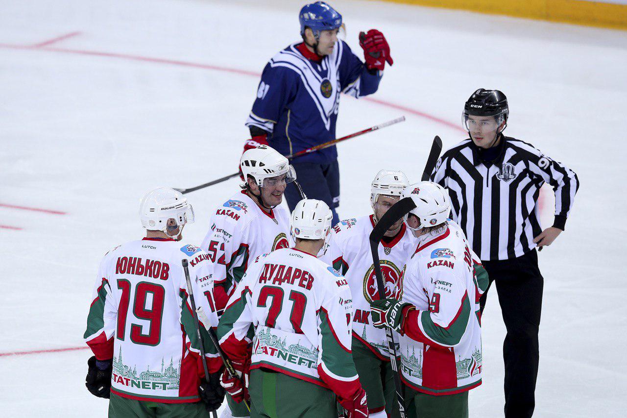 Ветераны «Ак Барса» обыграли легенд КХЛ в товарищеском матче. 19.01.2019
