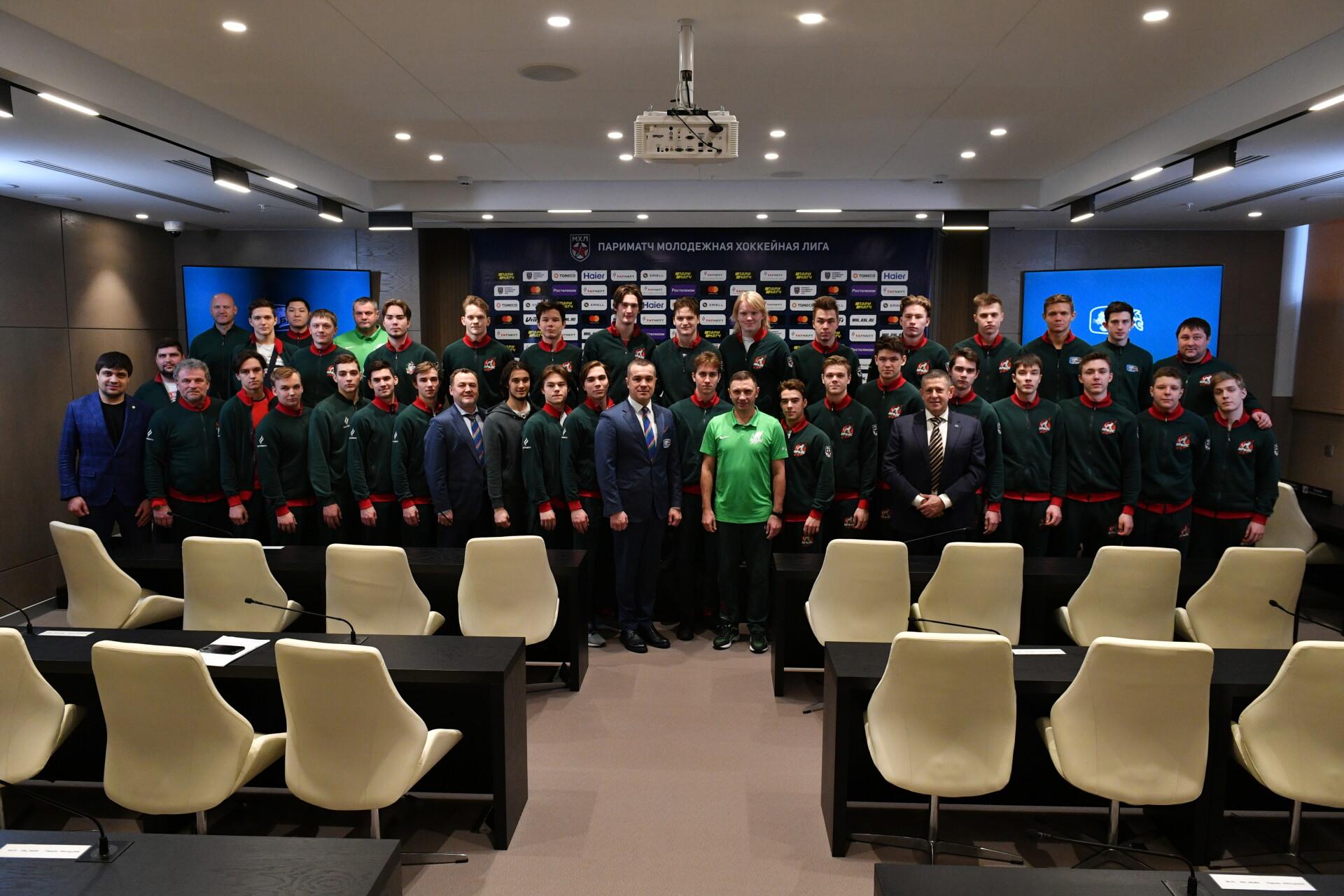 Руководители «Ак Барса» и Федерации хоккея РТ встретились с хоккеистами «Ирбиса». 05.03.2020